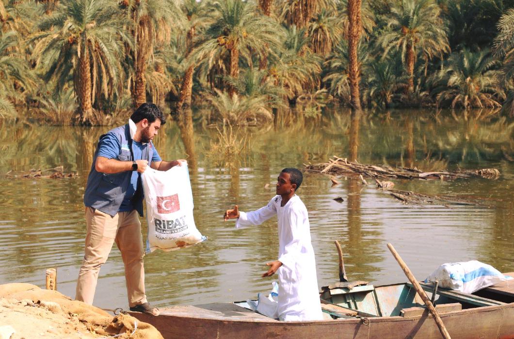 Sudan Yardım Bekliyor