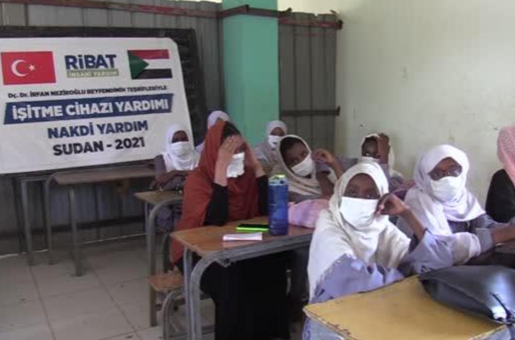 Sudan'da Görme ve İşitme Engellilere destek